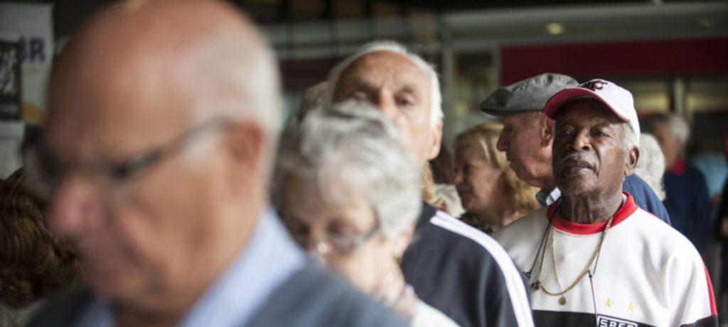 trabalho por conta própria é a principal fonte de renda entre as pessoas idosas que continuam trabalhando. Foto: EBC