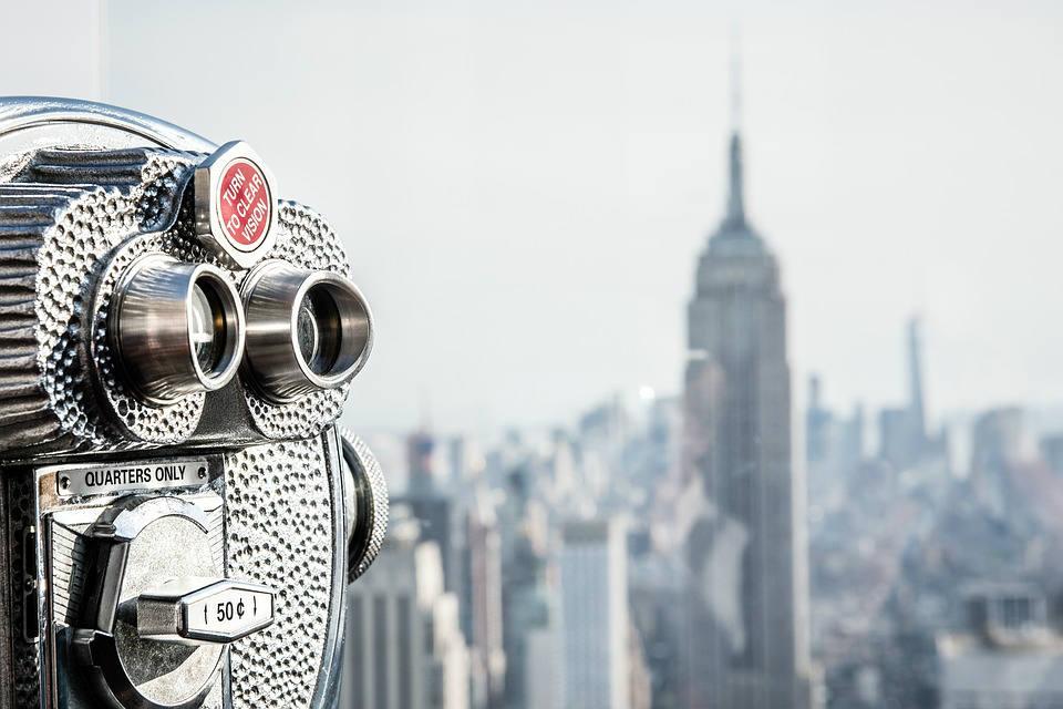 O momento é de comprovação de que olhando para o horizonte com um binóculo você enxerga longe. Mas não vê todo o horizonte.