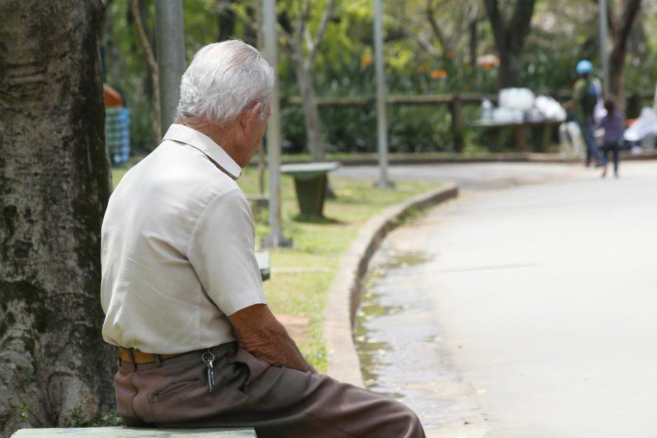 Sem soluções para a crise econômica, aposentados assumem o sustento das famílias - Marcos Santos/USP Imagens