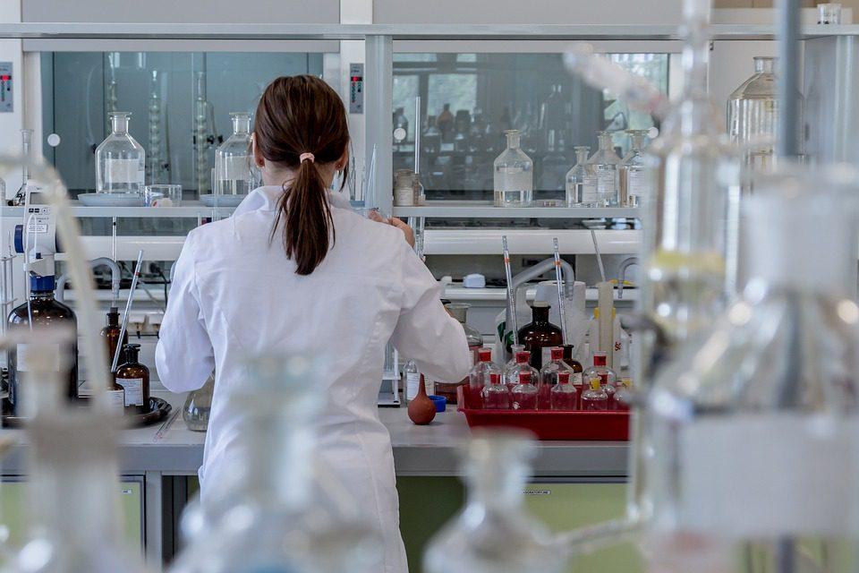 A medicina personalizada e de precisão vai garantir novas demandas por profissionais de biomedicina.
