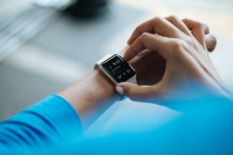 Os equipamentos vestíveis vão criar um mercado de US $ 27 bilhões, com 233 milhões de unidades vendidas - foto: Pixabay