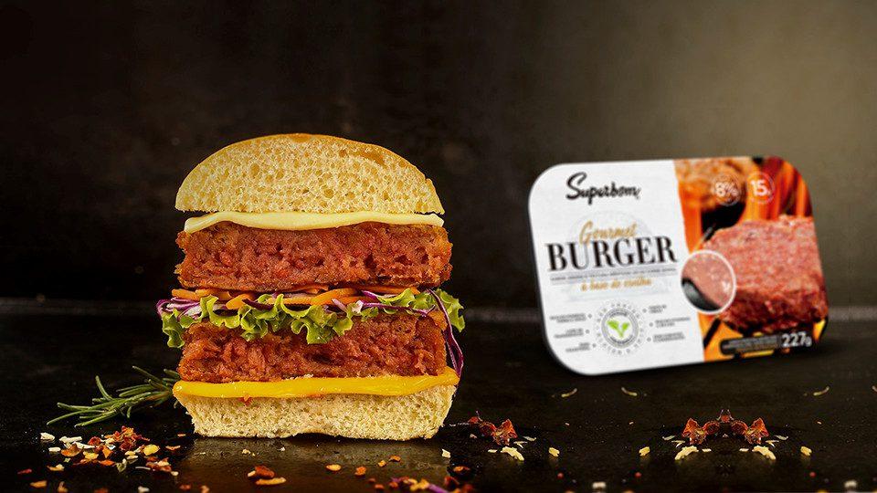 hambúrguer vegano apresenta todas as características da carne moída bovina