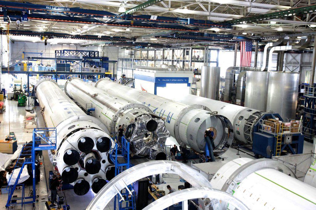 No mundo todo, a tecnologia aliada à interação humana tem permitido que os processos industriais sejam cada vez mais assertivos.