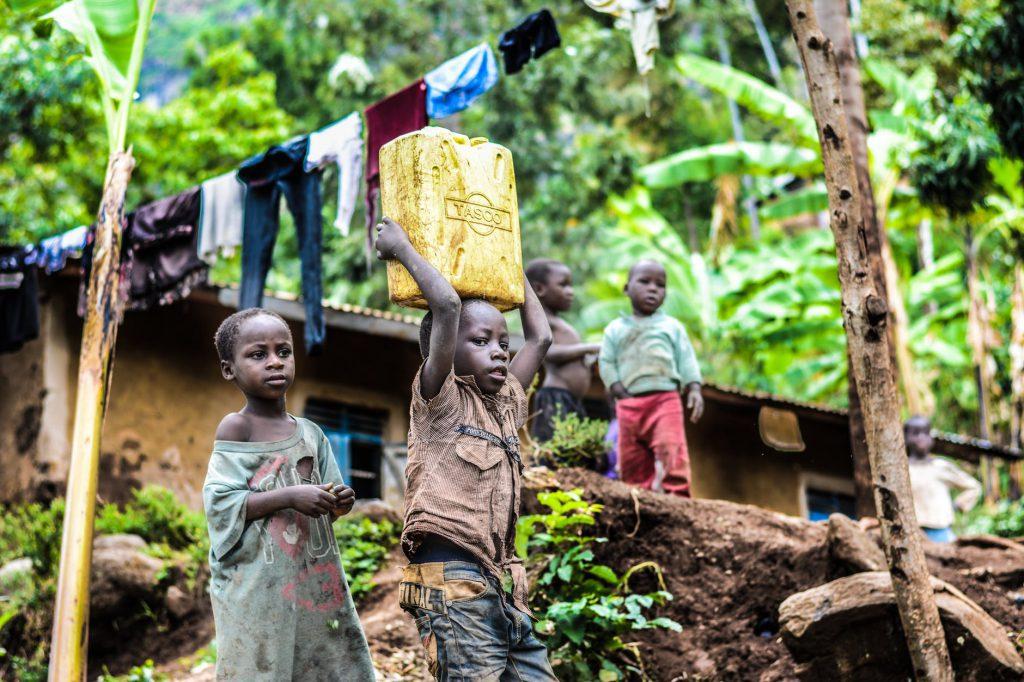 Como gerar oportunidades para alterar a realidade dessas crianças? Só vislumbramos uma solução: empoderar as pessoas.Foto: Pexels