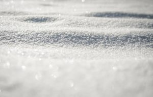 Gerador é capaz de coletar eletricidade diretamente da neve.
