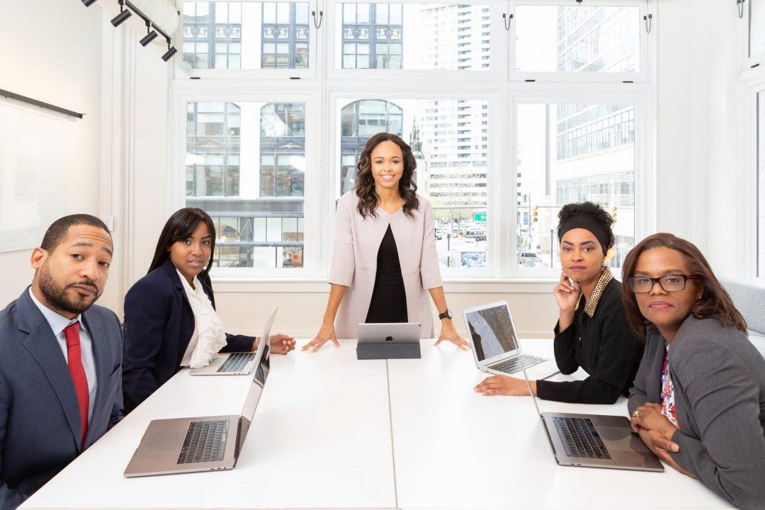 """Estudos apresentados em evento """"Mulheres, Empresas e Direito"""" reforçam a dimensão dos desafios. Foto por Rebrand Cities em Pexels.com"""
