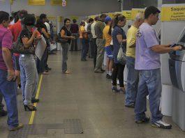 Queda dos juros básicos e concorrência com bancos digitais vão justificar novos cortes de despesas dos bancos tradicionais. Foto: Agência Brasil