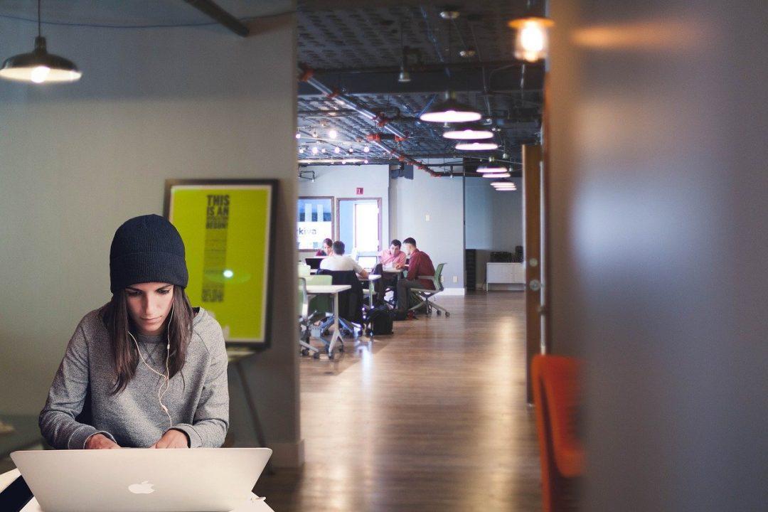 Espaços de coworking terão de buscar uma melhor compreensão sobre novos comportamentos dos clientes. Foto: Pixabay
