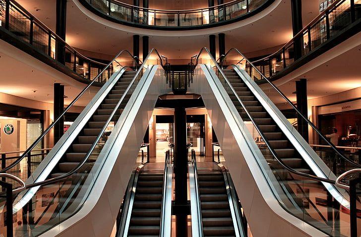 27% dos compradores de marcas de luxo ainda querem manter a rotina de comprar fisicamente nas lojas, porém precisam sentir que estão seguros. Responsabilidade social será um fator de desempate entre as marcas preferidas
