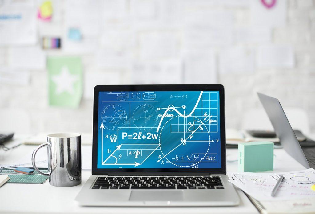 grafico em tela de computador, simulando resultado positivo. Imagem : Pixabay