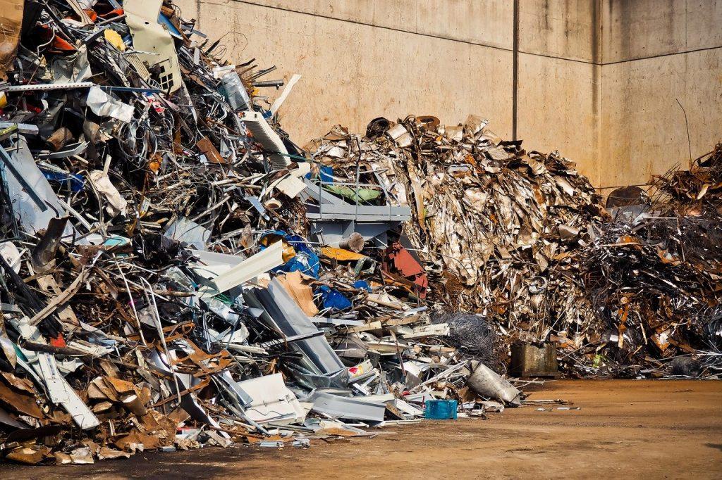 A maior parte desse lixo é constituída por material plástico e metal barato, mas também há cobre, ouro e outros metais preciosos. foto: Pixabay
