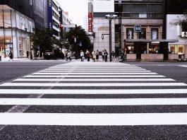 faixa de pedestre de rua. Foto: Pixabay