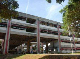 foto da fachada do prédio da Fafich, da UFMG. Foto: Foca Lisboa