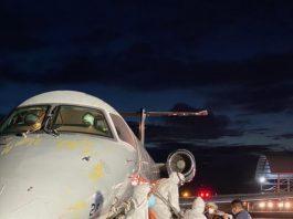 avião recebe vacinas que serão distribuídas no país - foto: Fotos públicas