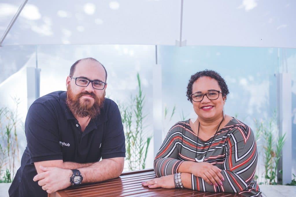 foto dos sócios fundadores - Rodrigo e Tati