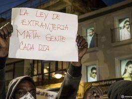 manifestantes protestam contra a justiça na espanha - foto: Pedro Mata /Fotomovimiento / Agência Fotos Públicas